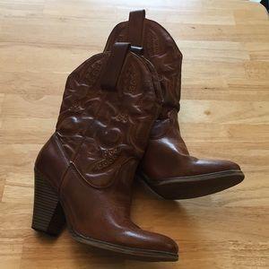 Cowboy boots Ladies size 8 1/2